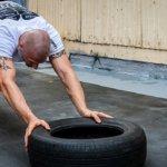 pneu força de atrito