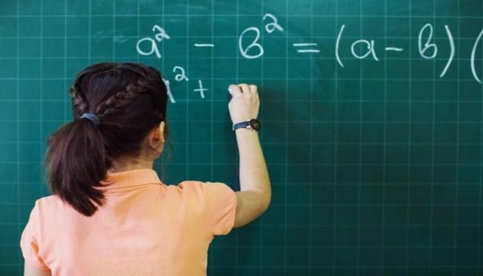 Fatoração algébrica: o que é, exercícios e mais!