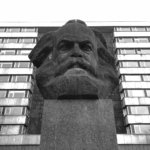 estátua karl marx