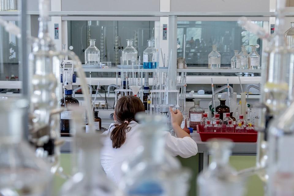 Engenharia Química: o que é, salário e faculdades