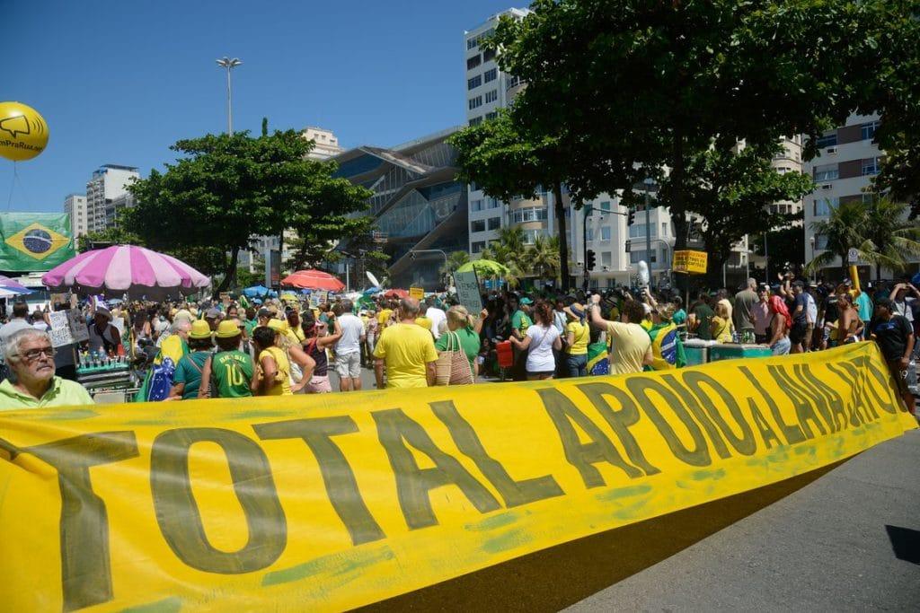 manifestação lava jato