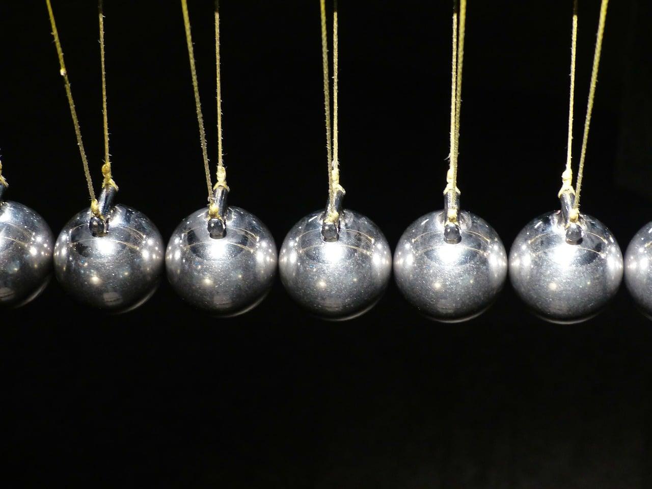 Pêndulo de Newton: como funciona?