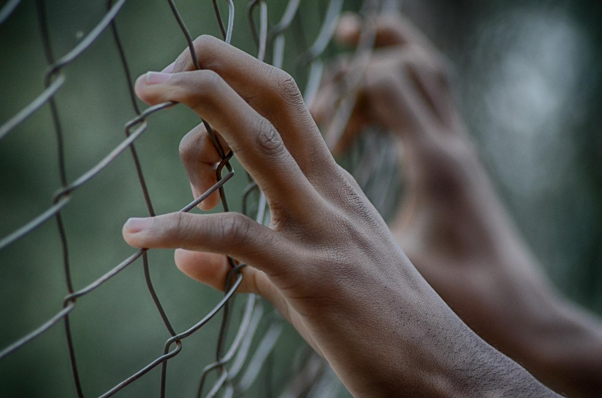 Maioridade penal: o que é, redação e mais!